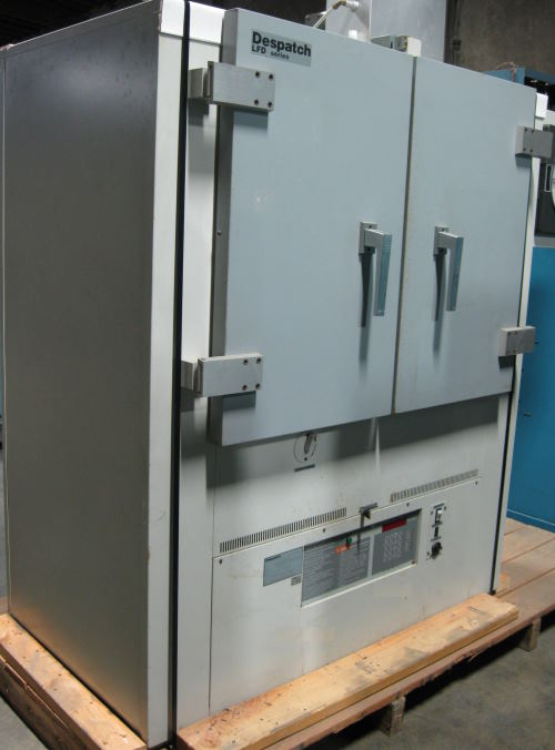 Used DESPATCH INDUSTRIAL BATCH OVEN LFD2-11-3 Industrial Ovens/ Batch Ovens/ Curing Ovens/ Heat Treat Ovens
