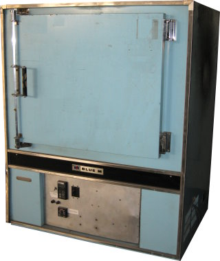 Used BLUE M POM7-256C Industrial Ovens/ Batch Ovens/ Curing Ovens/ Powder Coating Ovens/ Annealing Ovens