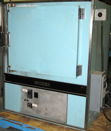 Used BLUE M POM7-256C Industrial Ovens/ Batch Ovens/ Laboratory Ovens/ Powder Coating Ovens