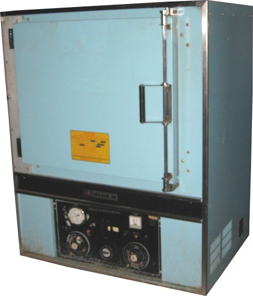 Used BLUE M POM-256B-1 Industrial Ovens/ Batch Ovens/ Laboratory Ovens/ Curing Ovens/ Heat Treat Ovens