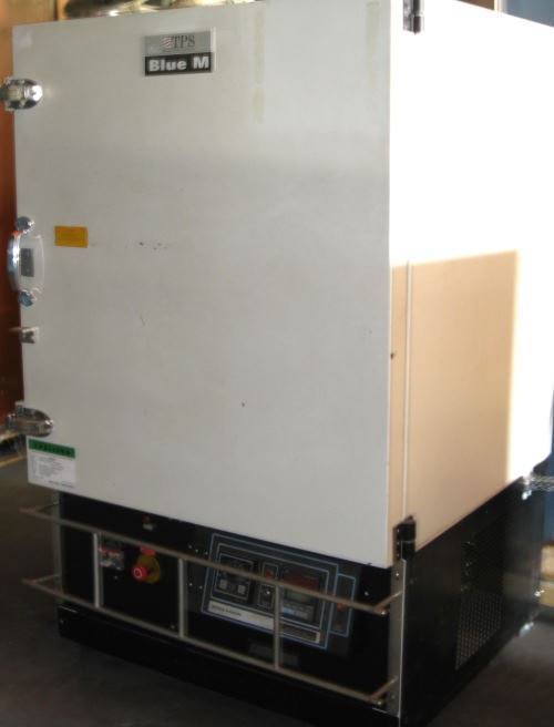 Used BLUE M CC09S-P-E-HP Industrial Ovens/ Batch Ovens/ Curing Ovens/ Heat Treat Ovens
