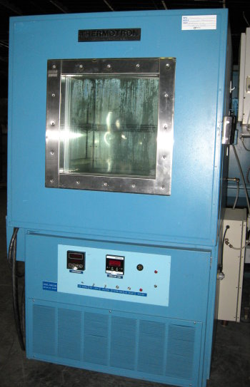 Used THERMOTRON S-16 Temperature Chambers