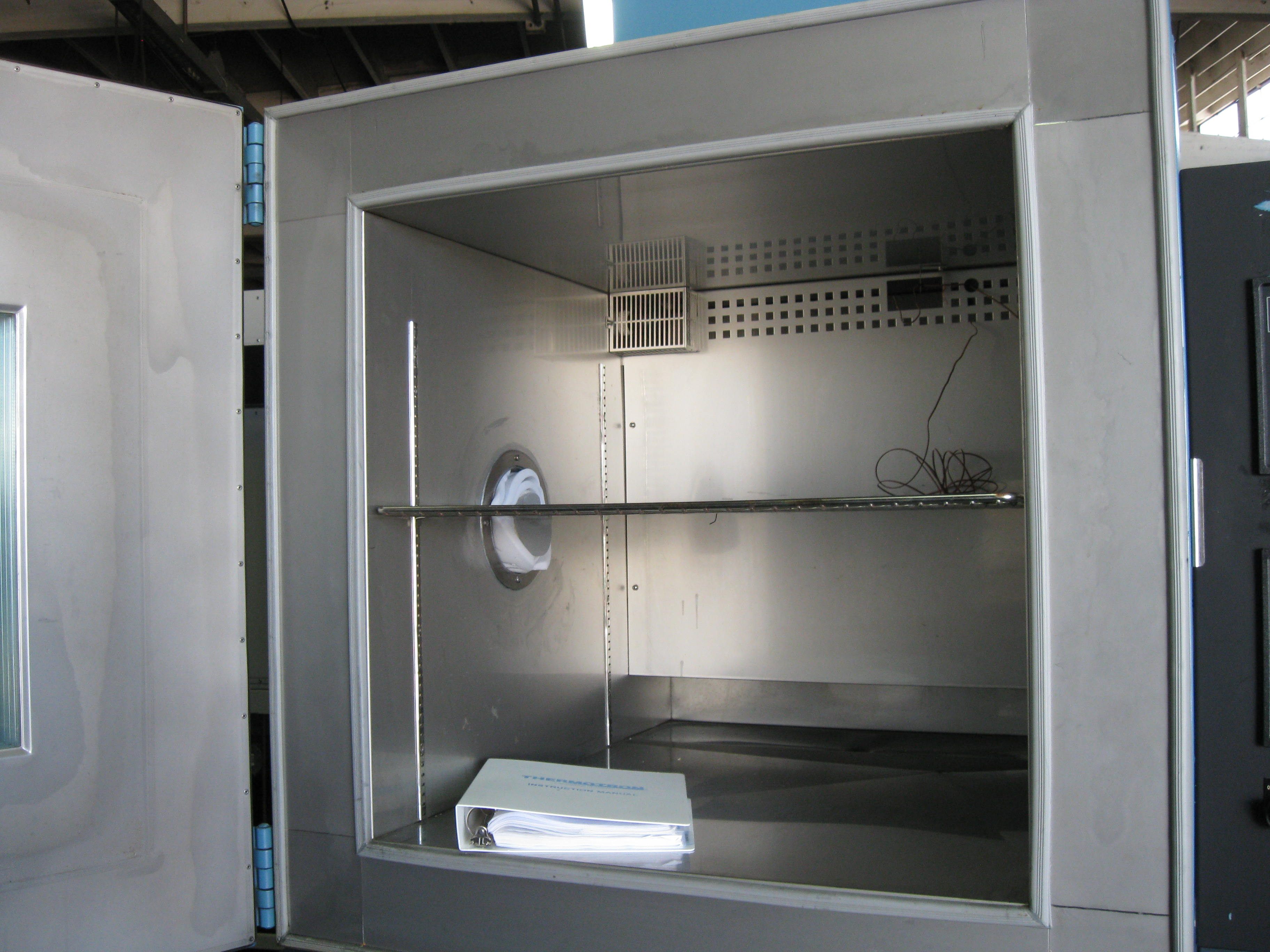 Used THERMOTRON S-32 Production Chambers, Temperature Chambers, Cryogenic Chambers
